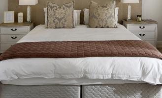 Декларация на кровати